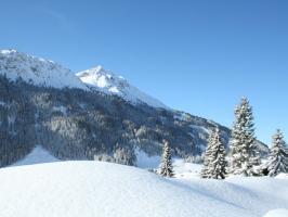 Winterlandschaft mit Blick zur Krinnenspitze