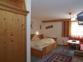 Skifahren und Wandern inklusive im Doppelzimmer